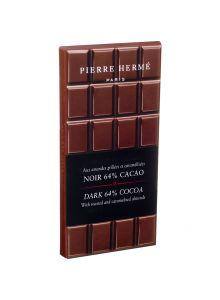 snacks-chocolats-tablette-de-chocolat-noir-et-amandes-grillees